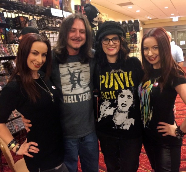 Artist Living Dead Girl Nicole and Husband Frank with Directors Actresses Jen and Sylvia Soska the Twisted Twins